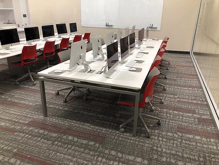 UniversityOfTampa ConnectionZoneBenching DoniTask ComputerLab 3