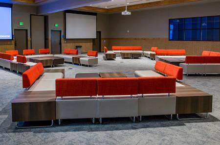 Ocean5 lounge2 Hub