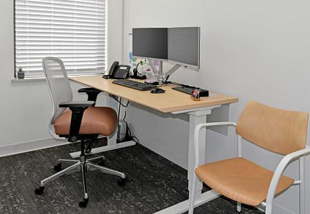 Diem office1a Toggle Katera