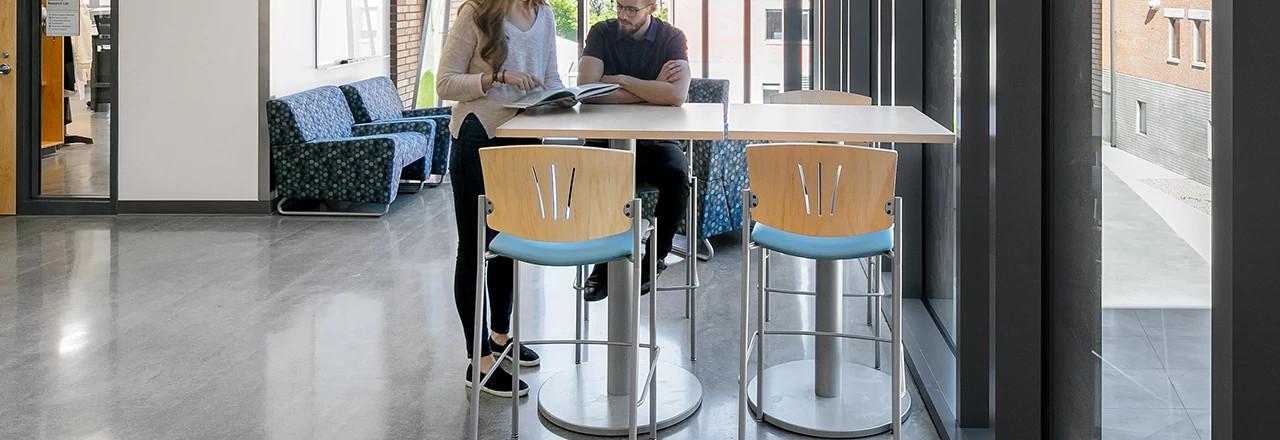 Versa Cafe Stool