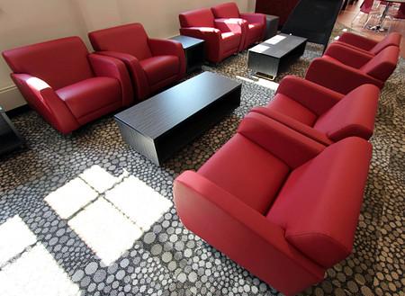 NIU Gilbert lounge2 Sela