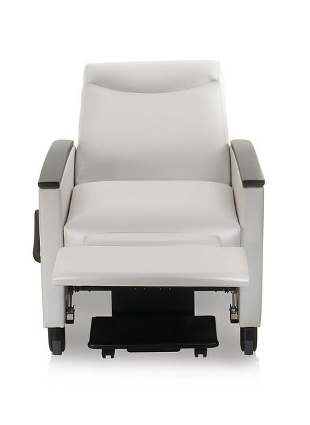 Solt reclinerII reclined front