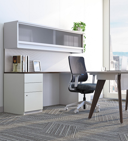 FourC office task CZ wood leg desk Aristotle crop.tif