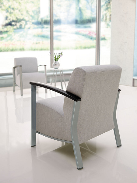 SolticeMetal LoungeChairs OccTable backangle StarlightSilverFrame