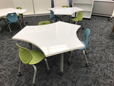 IndianaUniversity ModifiedPillarTable IntellectWaveStudentSeating Classroom.png
