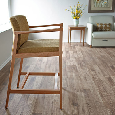 Affina Hip Chair
