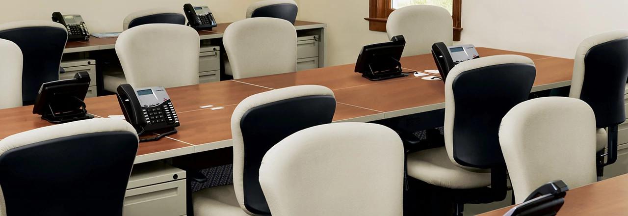 700 Series Desking System