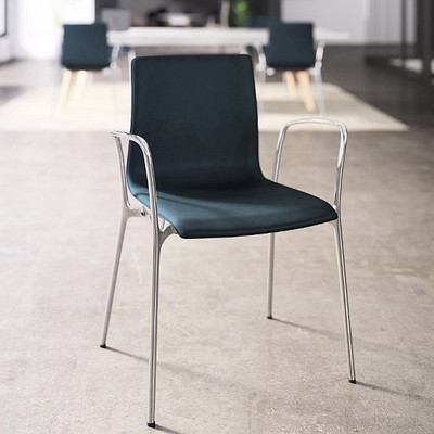 Voz Guest Chairs
