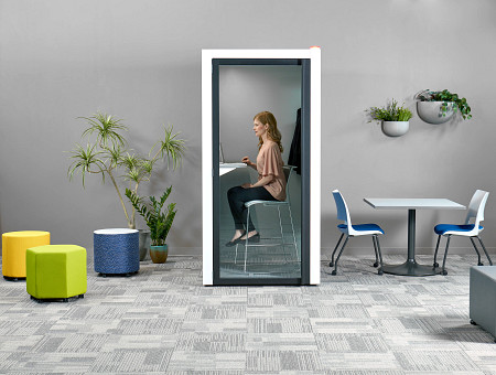 WR room1b person pod steel worksurface Opt4Stool