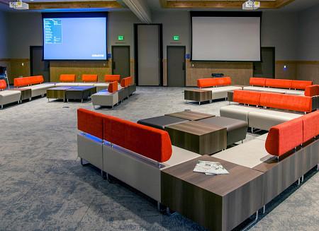 Ocean5 lounge1 Hub
