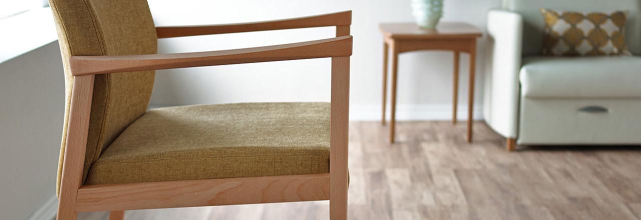 Affina Hip Chair