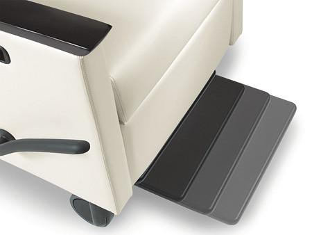 Solt reclinerII footrest motion flat